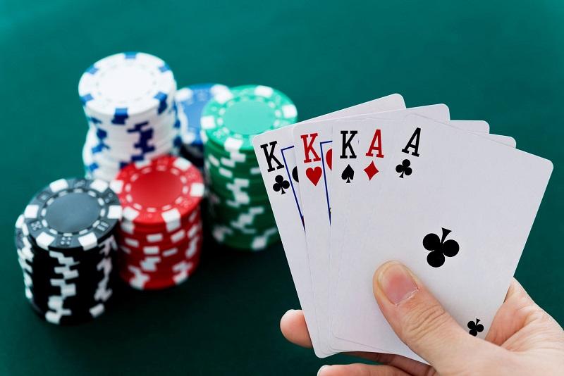 Kiên trì với chiến thuật chơi Poker ban đầu